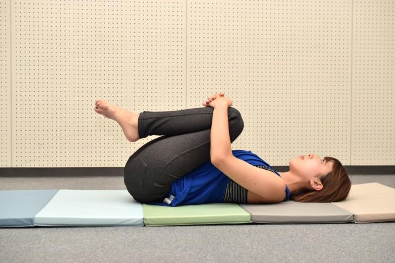 腰が痛い時に! 寝ながらできる腰痛体操とストレッチ運動