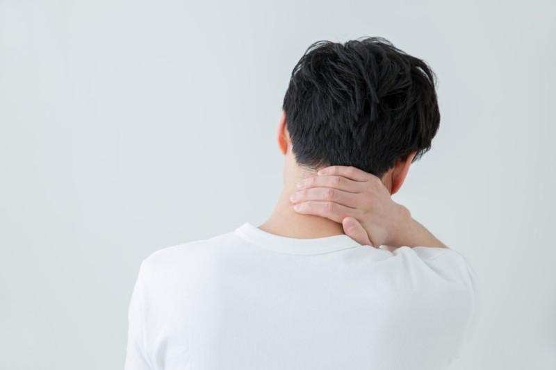 毎日朝起きると首が痛い!肩が痛い!原因と対策は?