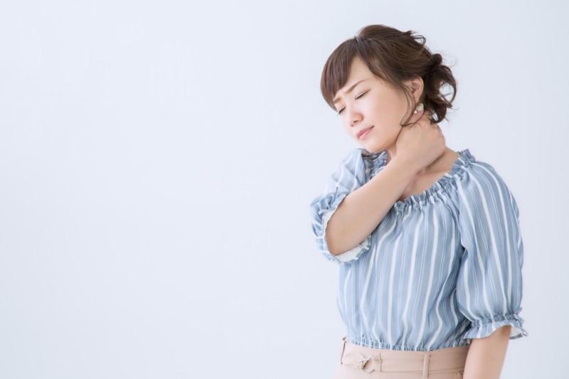体操と生活改善で決まり!スマホ首ストレートネックの治し方
