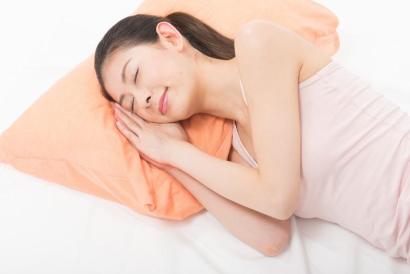 痛み解消!スマホ首・ストレートネックのおすすめ枕は?