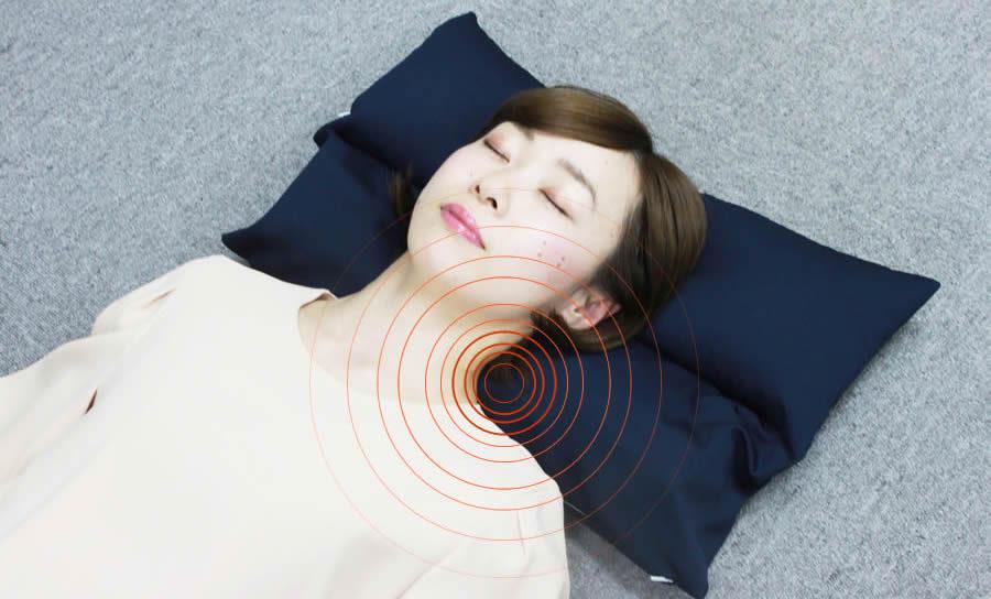 徹底調査!スマホヘビーユーザーにおくるネックフィット枕の口コミと評判は?